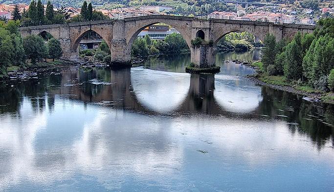 Ourense la ciudad del agua galiciaunica - Exteriores puente viejo ...