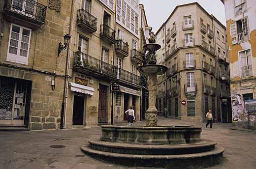 Ourense la ciudad perdurable galiciaunica - Hm calle orense ...
