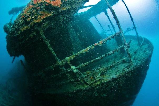 Barco hundido en la Costa da Morte.