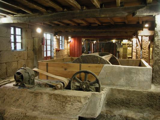 Antigua fabrica recuperada en Allariz.