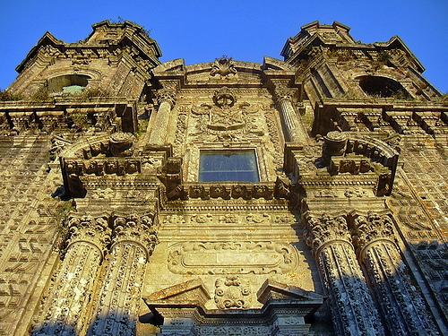 La-fantástica-fachada-de-la-Iglesia-del-Monasterio-de-Sobrado