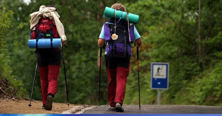 Resultado de imagen de Un ciudadano español caminante hacia su pueblo