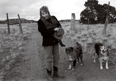 http://www.galiciaunica.es/wp-content/uploads/2012/12/Shirley-McLaine-en-el-Camino..jpg
