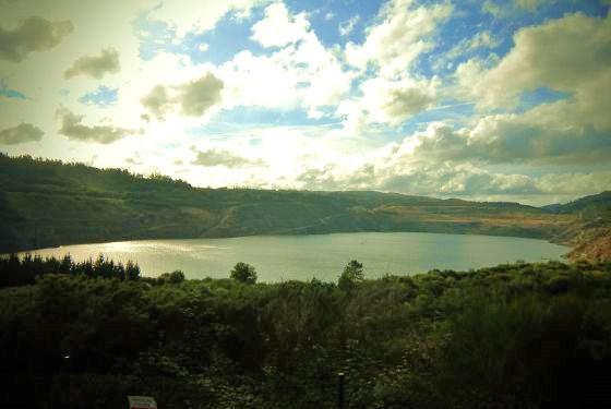 El Lago artificial de Meirama.