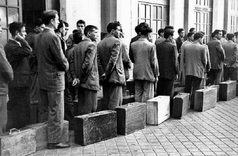 Esperando en el puerto de Vigo....