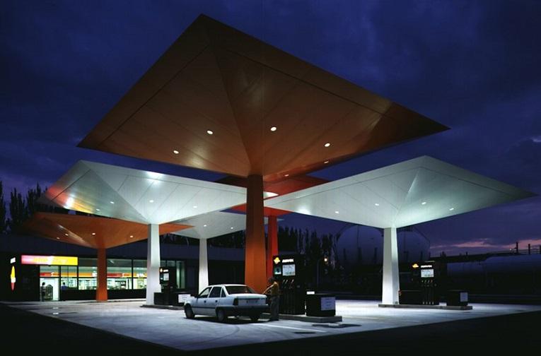 Gasolinera. Diseño Norman Foster.